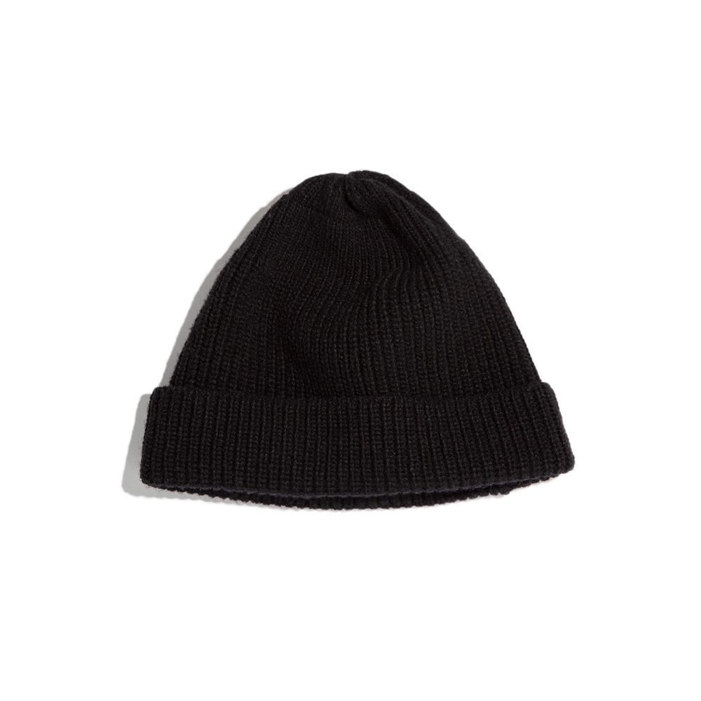 LAMBS WOOL RIBBED BEANIE - black