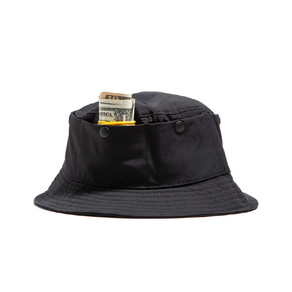 TRAVEL POCKET BUCKET HAT BLACK